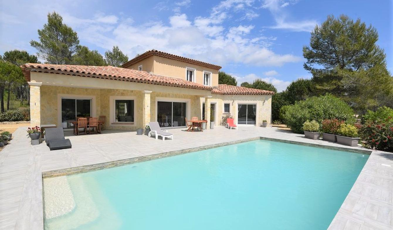 Villa with pool and garden Fayence