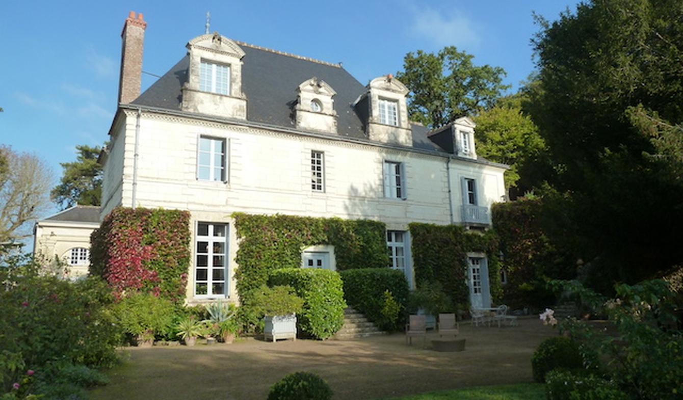 Property with pool and garden Tours