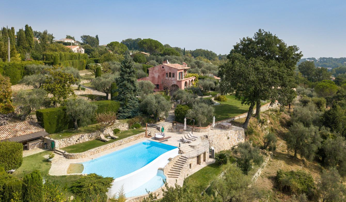 Property with pool Valbonne