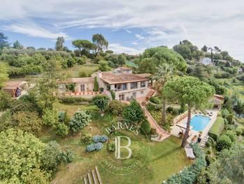 Villa 9 pièces 300 m2