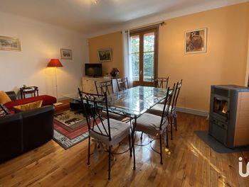 appartement à Saint-Geoire-en-Valdaine (38)