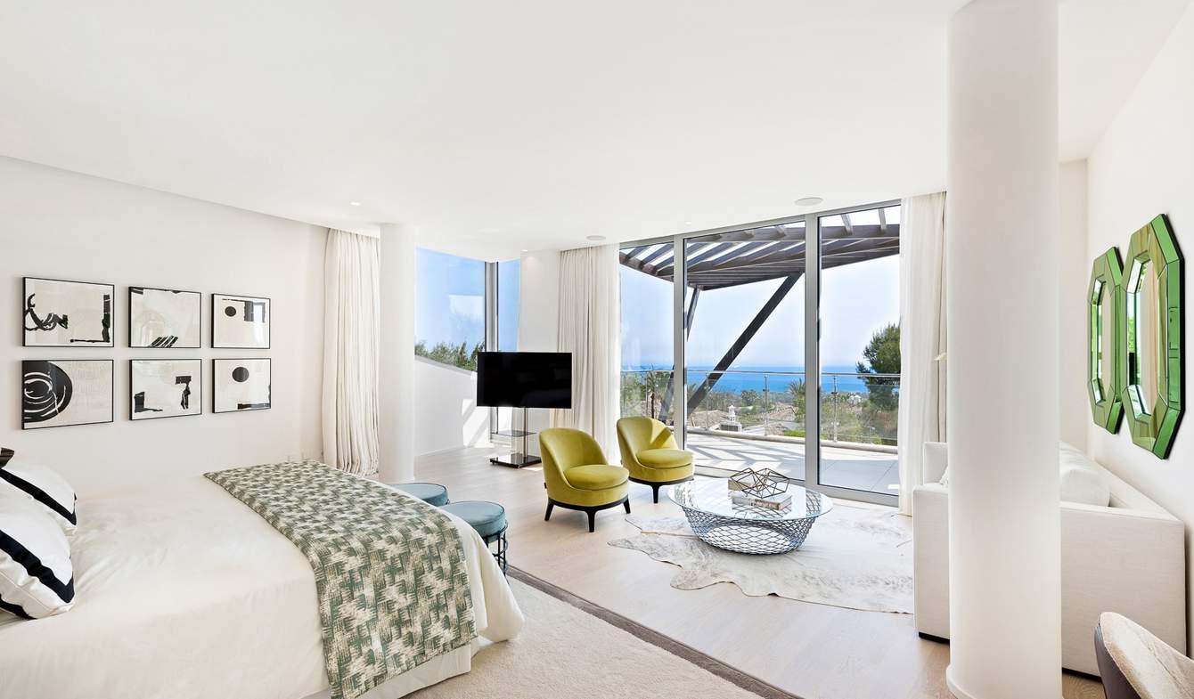Maison contemporaine avec piscine en bord de mer Marbella