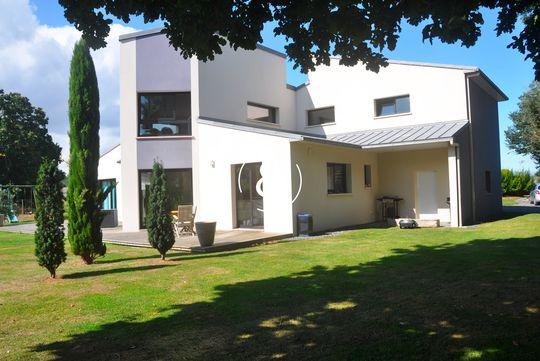 Maison en bord de mer avec terrasse