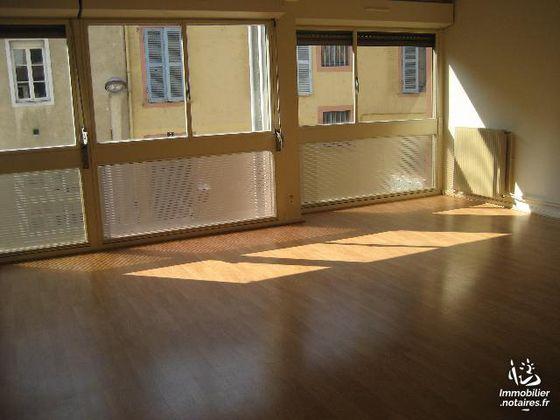 Location appartement 3 pièces 77,94 m2