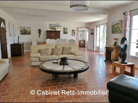 Vente propriété 7 pièces 155 m2