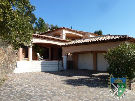 Vente villa 5 pièces 191 m2