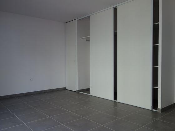 Location studio 32,48 m2