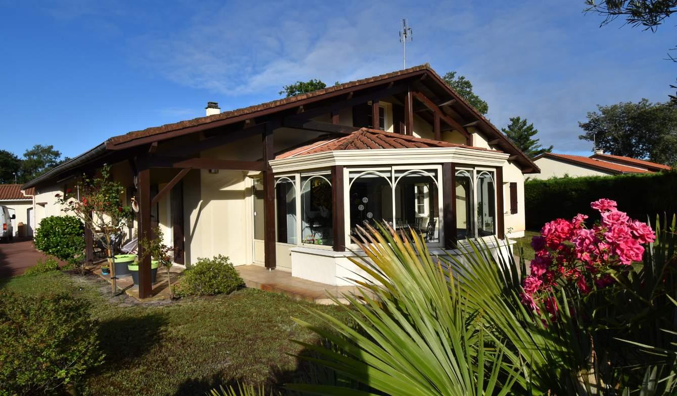 Maison avec piscine et terrasse Saint-Jean-d'Illac