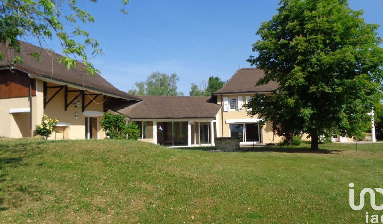 Maison avec piscine et terrasse Les Avenières