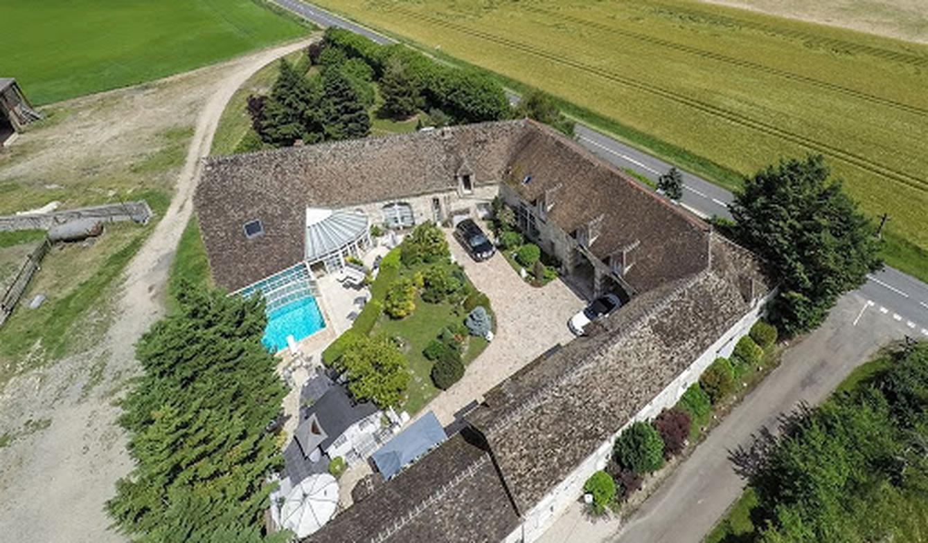 House with pool Montargis
