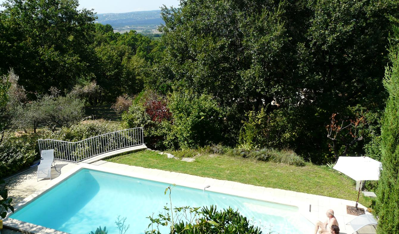 Villa with pool and garden Roussillon