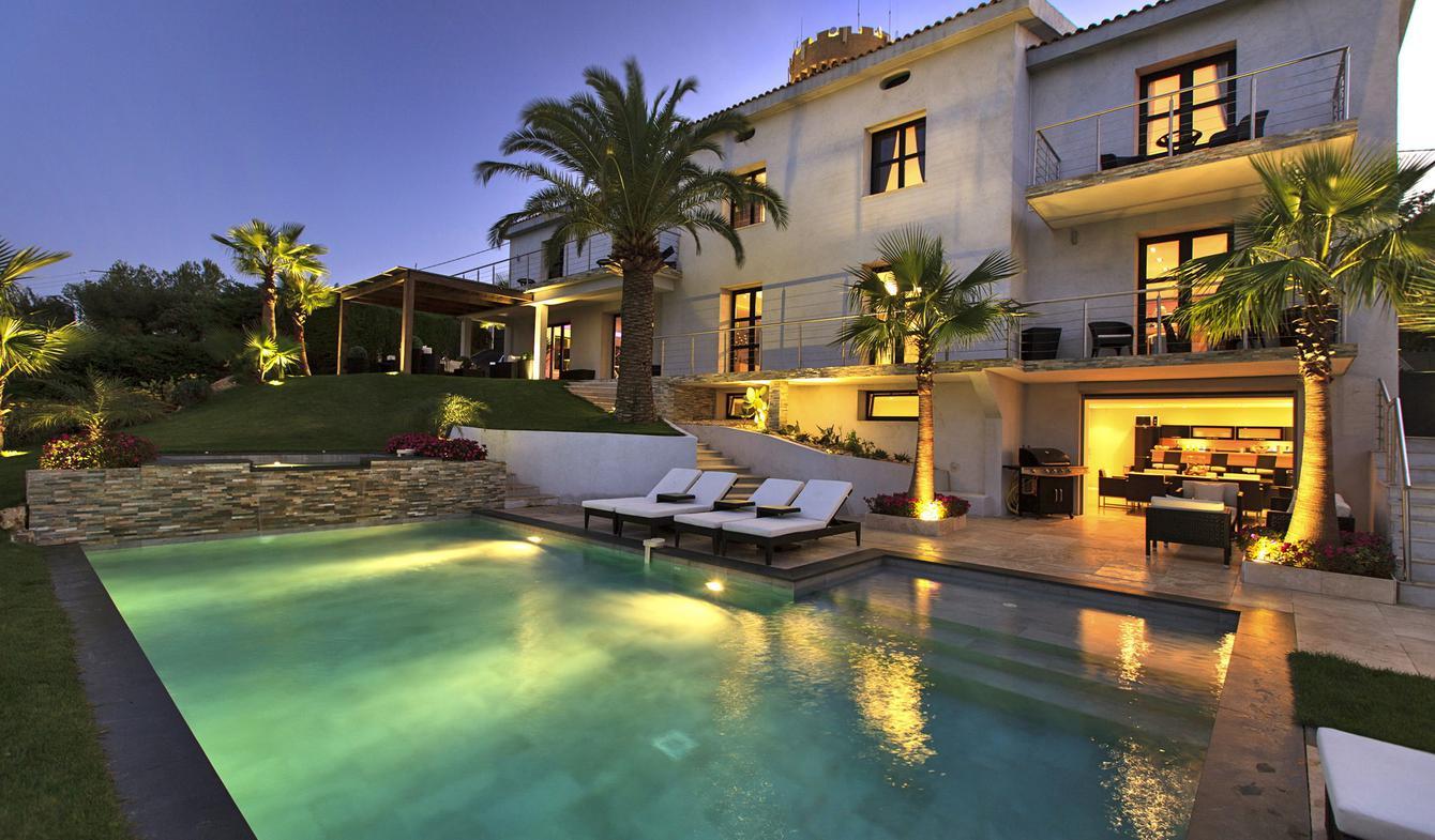 Propriété avec piscine et jardin Cannes