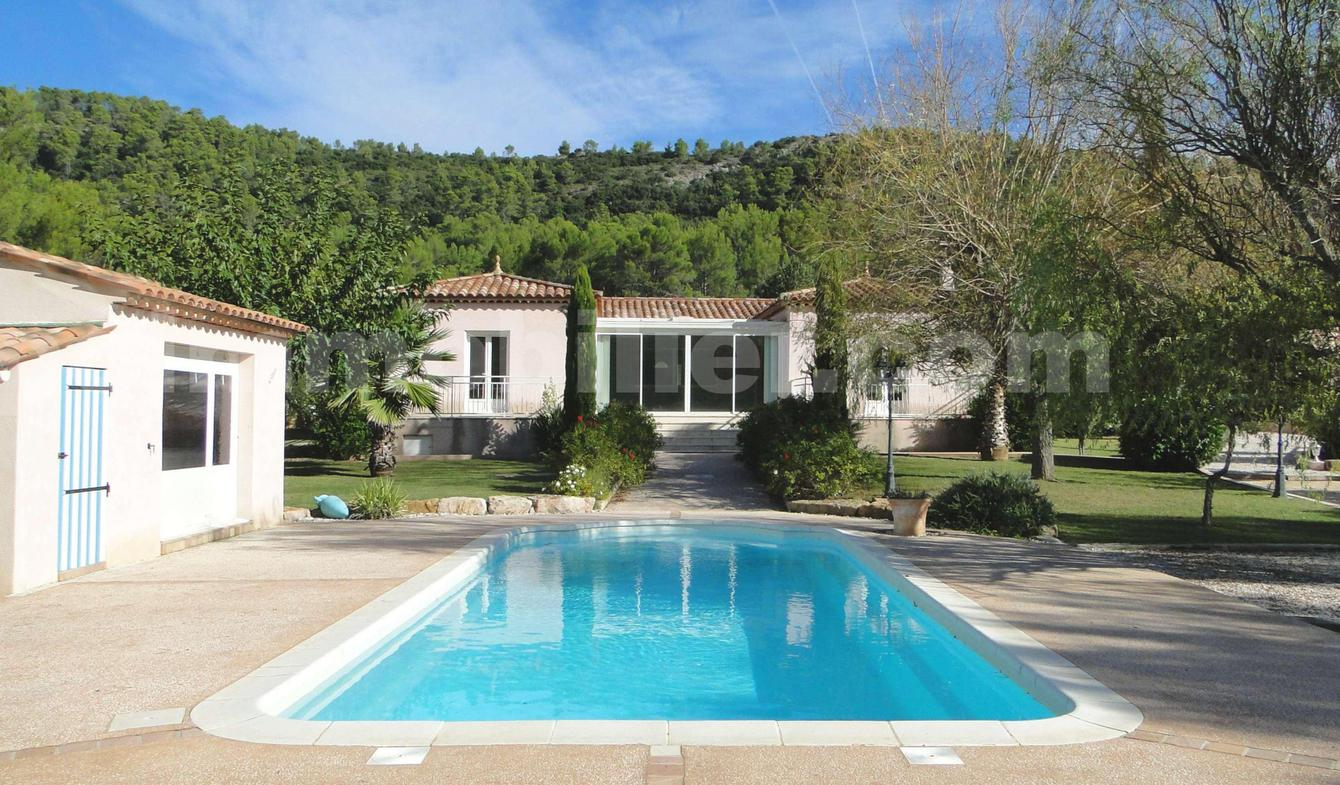 House with pool and terrace Brignoles