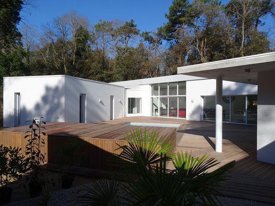 Vente villa 5 pièces 165,62 m2