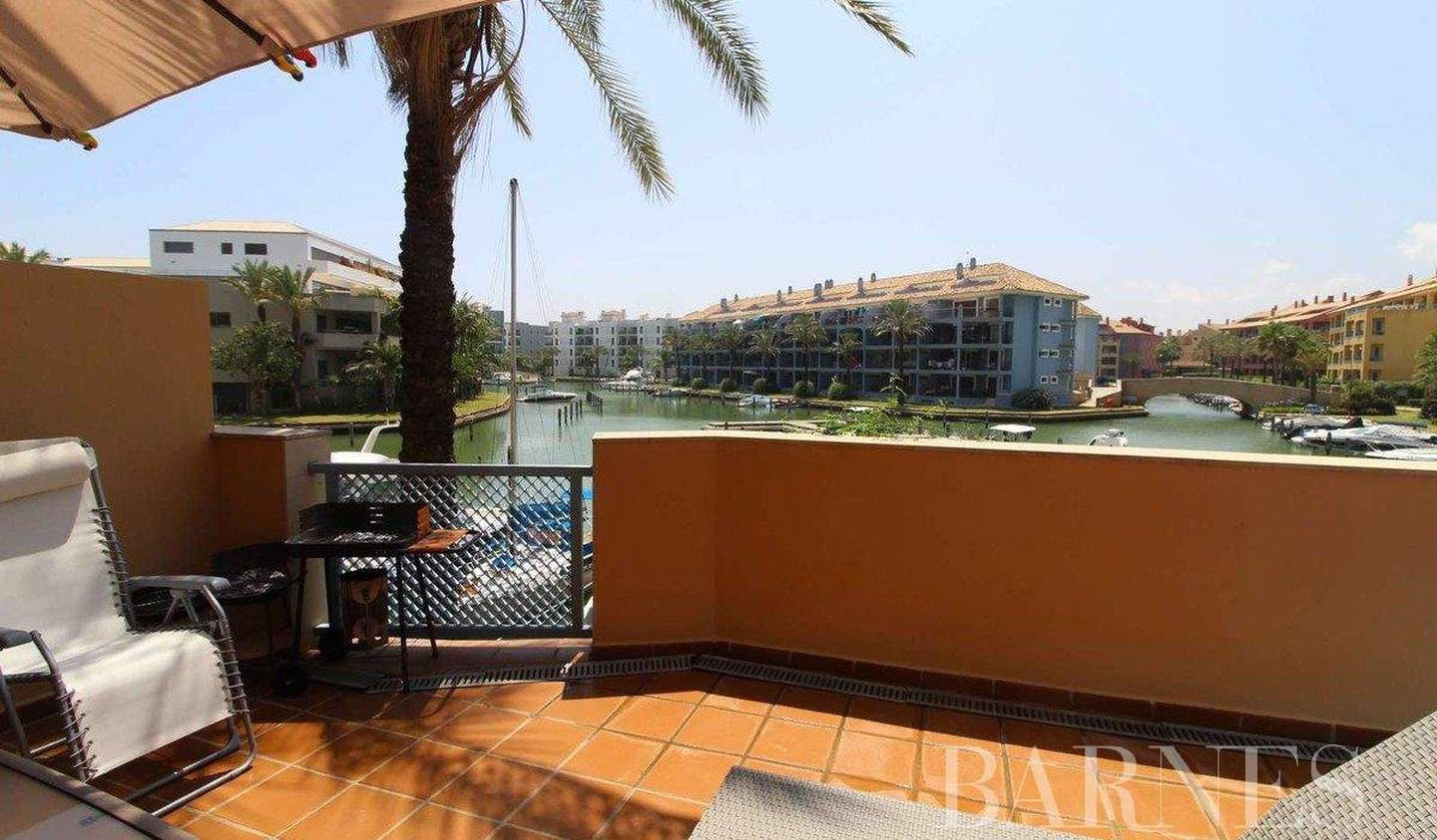 Apartment with terrace and pool Sotogrande
