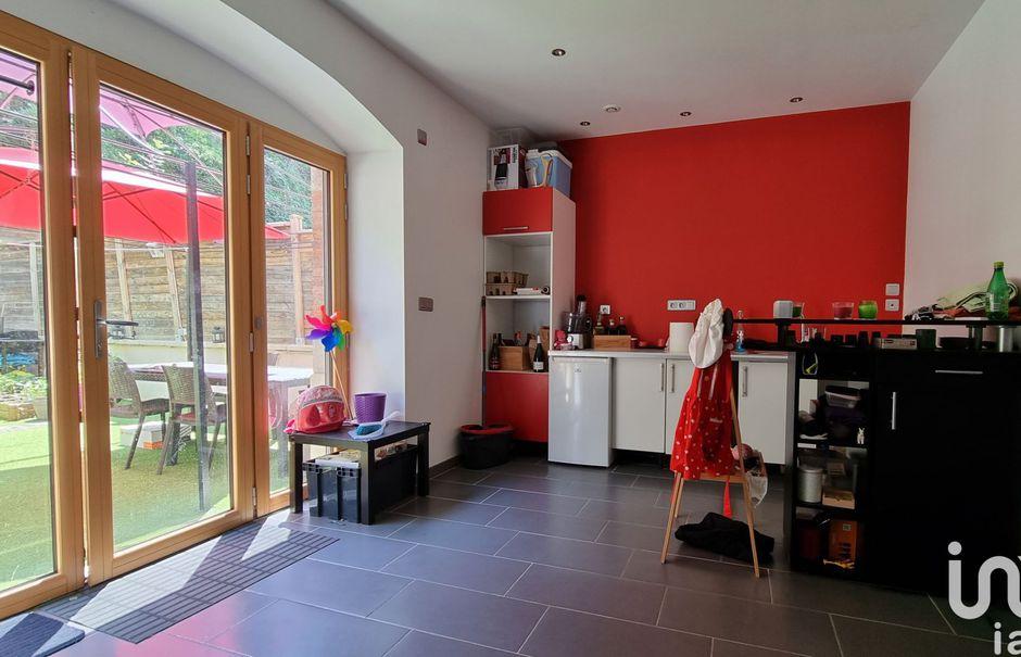 Vente maison 7 pièces 178 m² à Saint-Paul-en-Jarez (42740), 345 000 €