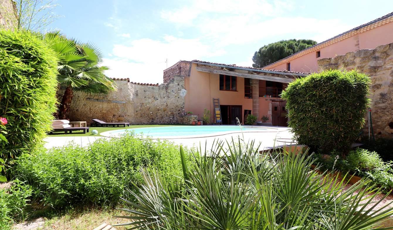 Maison avec piscine et terrasse Pouzolles