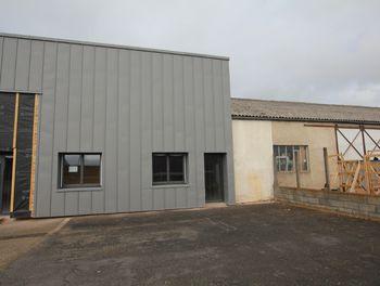 locaux professionnels à Saint-Flour (15)