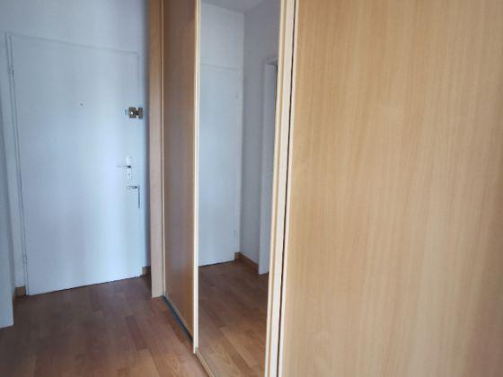 Location studio 28,02 m2