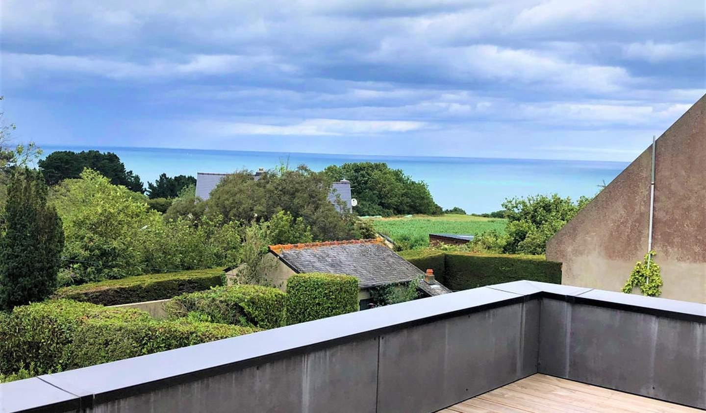House with terrace Pordic