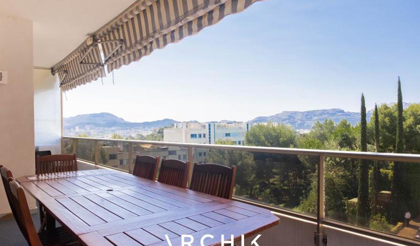 Appartement avec terrasse et piscine Marseille 8ème