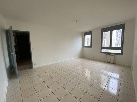 Location studio 34,96 m2