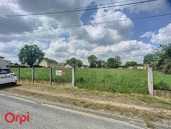 terrain à Villefranche-d'Allier (03)