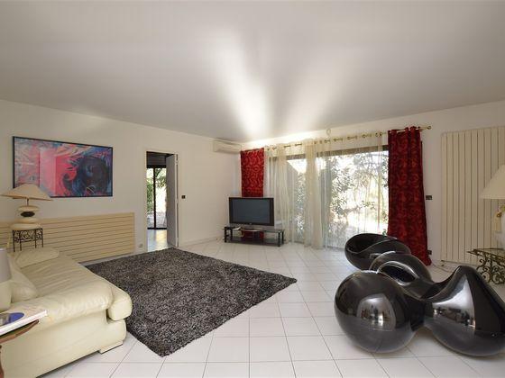 Vente villa 6 pièces 244 m2