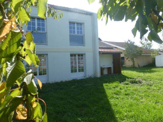 Location maison meublée 4 pièces 77 m2