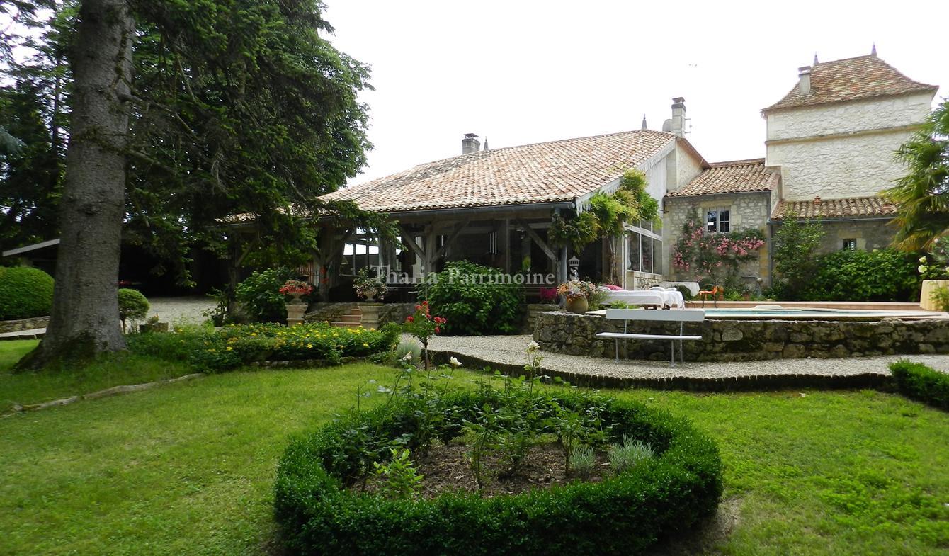 Property with pool Saint-Emilion