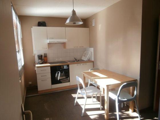 Location studio meublé 18,85 m2
