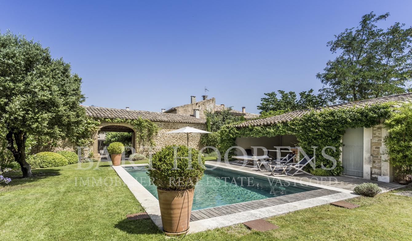 Maison avec piscine et jardin Maubec