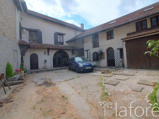 Vente maison 10 pièces 285 m2