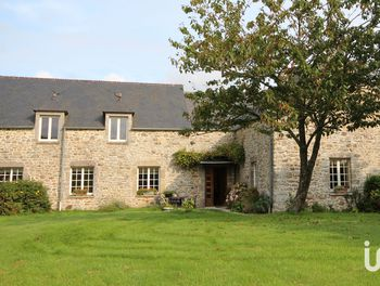maison à Couville (50)