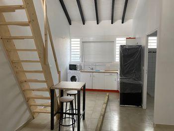 studio à Les abymes (971)