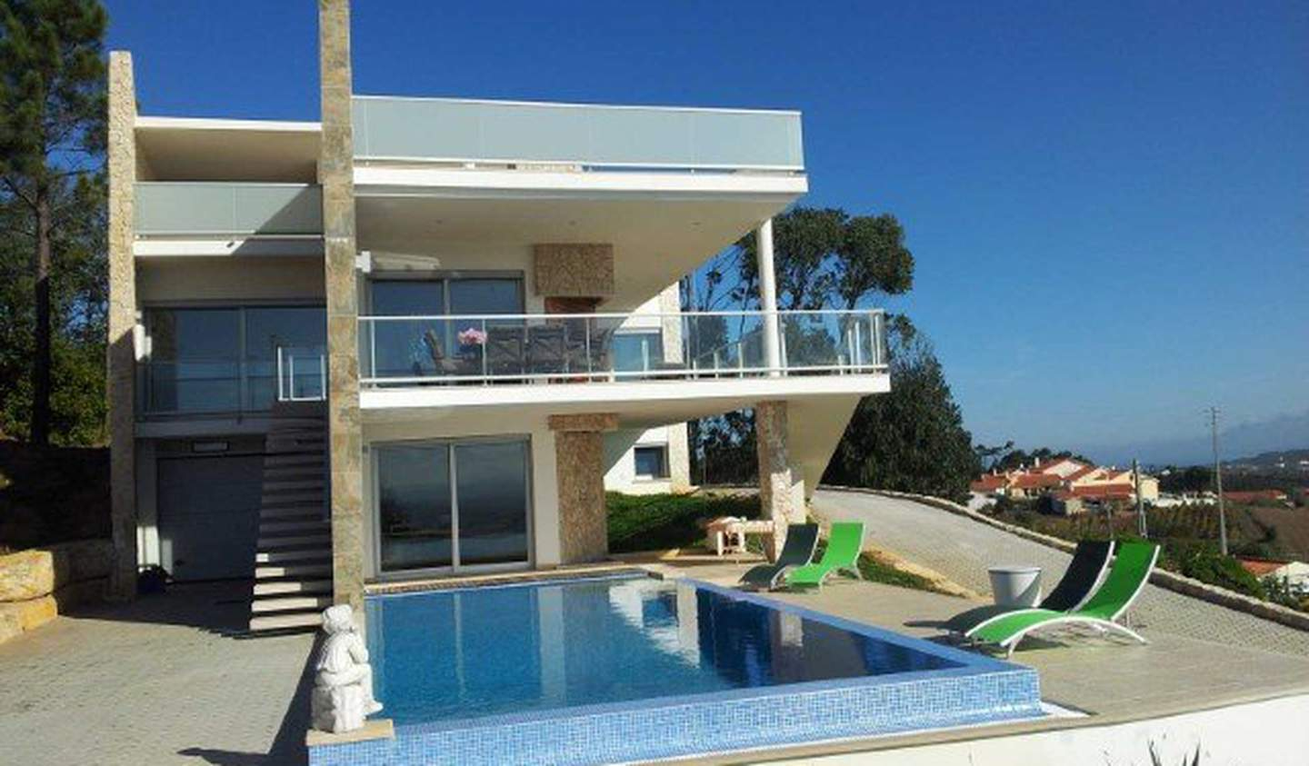 House with pool and terrace Caldas da Rainha