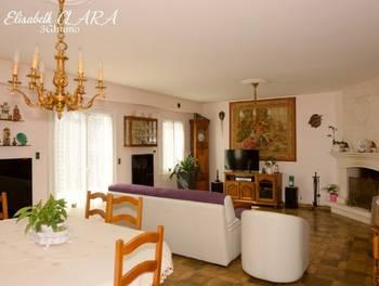 Maison 10 pièces 237 m2