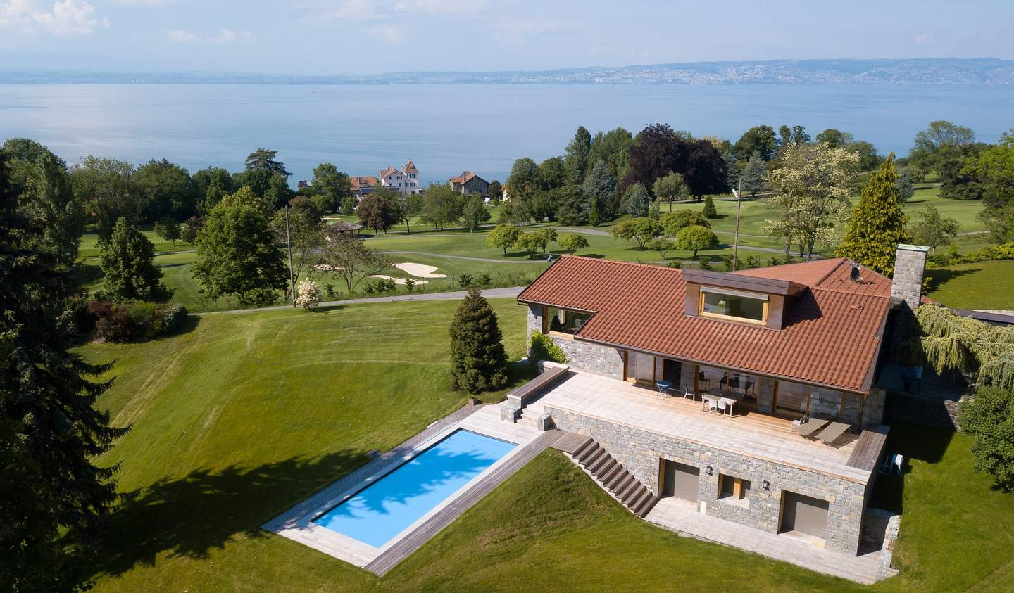 Property with pool Publier