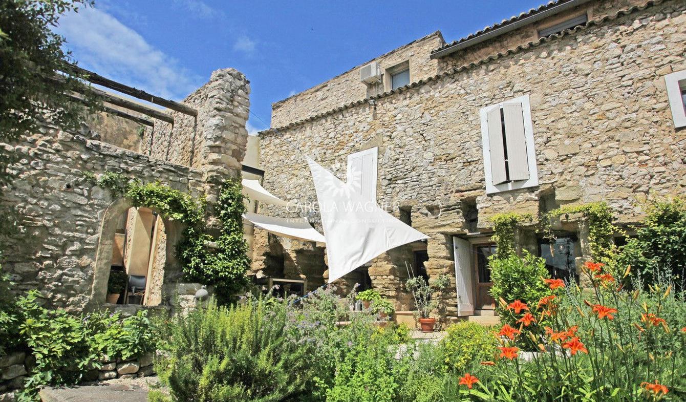 Villa avec piscine et terrasse L'Isle-sur-la-Sorgue