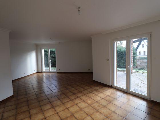 Location maison 6 pièces 170 m2