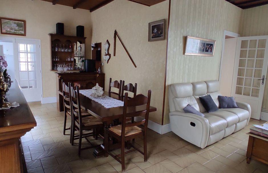 Vente maison 4 pièces 115 m² à Néville-sur-Mer (50330), 364 000 €