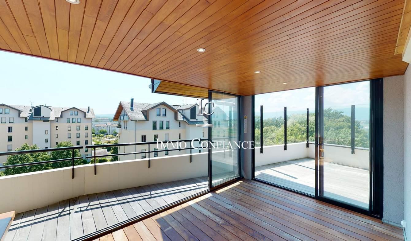 Appartement avec terrasse et piscine Saint-Julien-en-Genevois