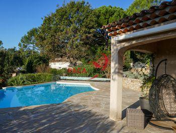 villa à Bagnols-en-Forêt (83)