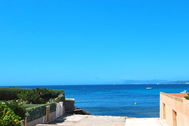 Seaside Property and Garden, Six-Fours-les-Plages
