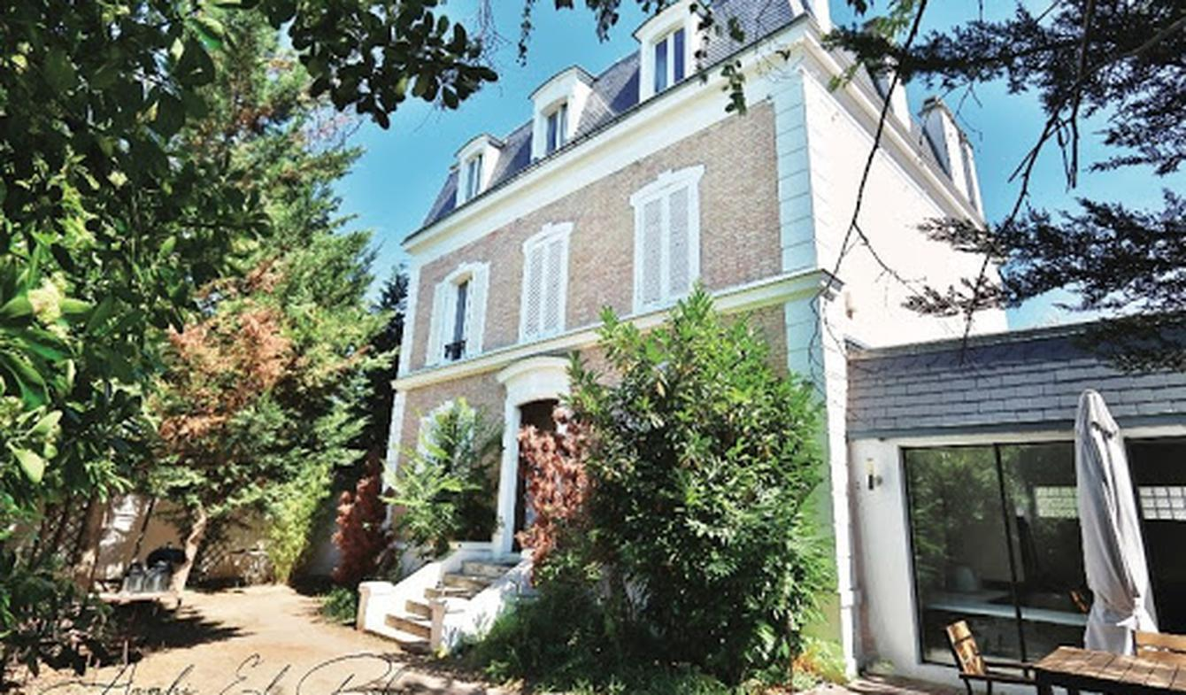 House with terrace Nanterre