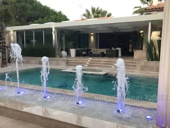 Villa 4 pièces 205 m2
