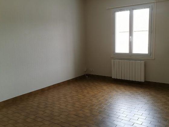 Location maison 3 pièces 81 m2
