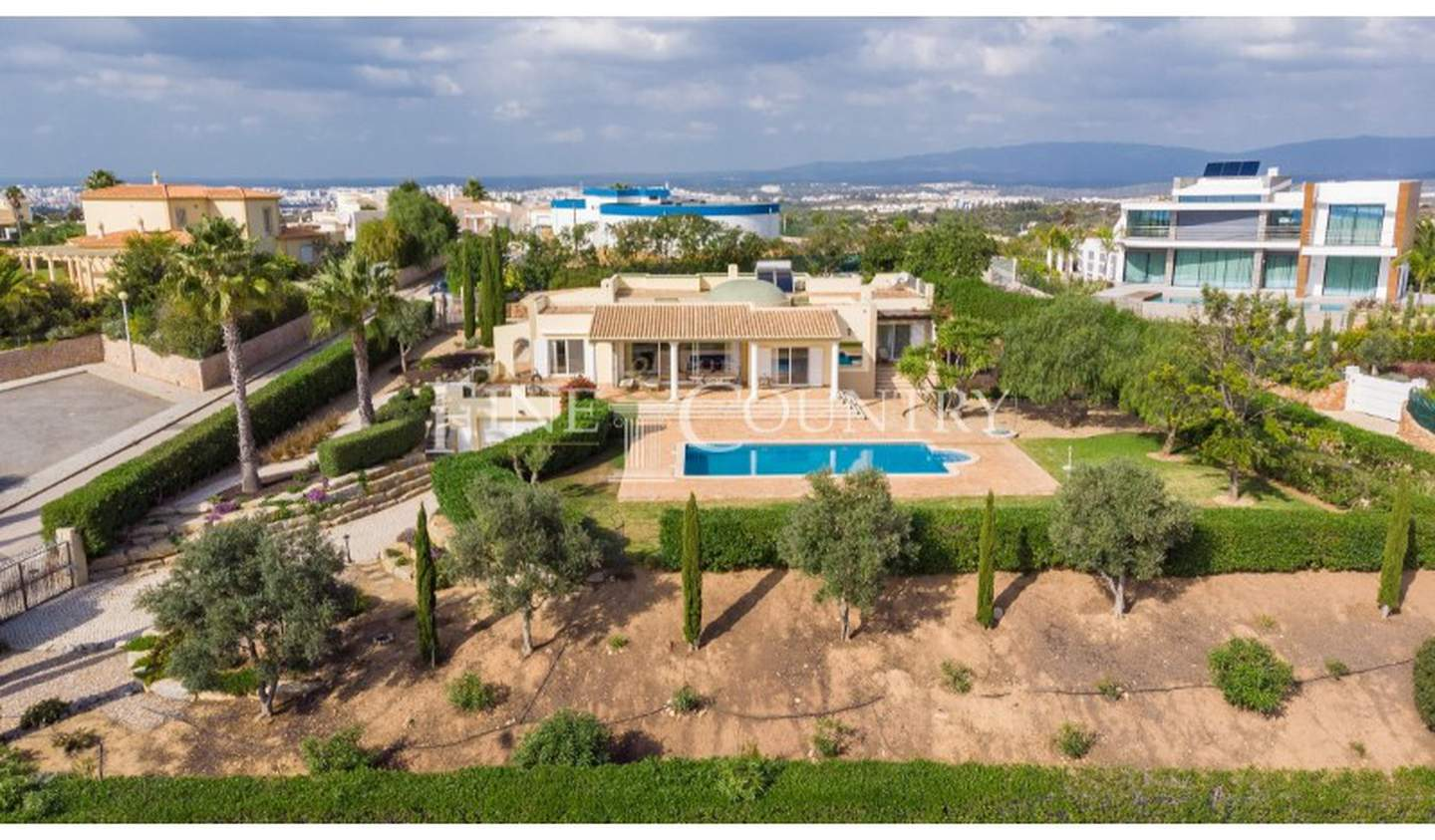 Villa with garden and terrace Faro District