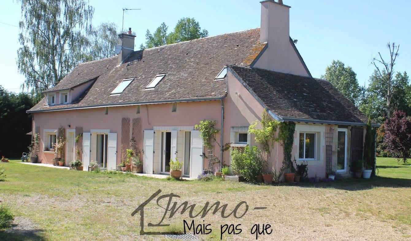 Maison Saint-Quentin-lès-Beaurepaire