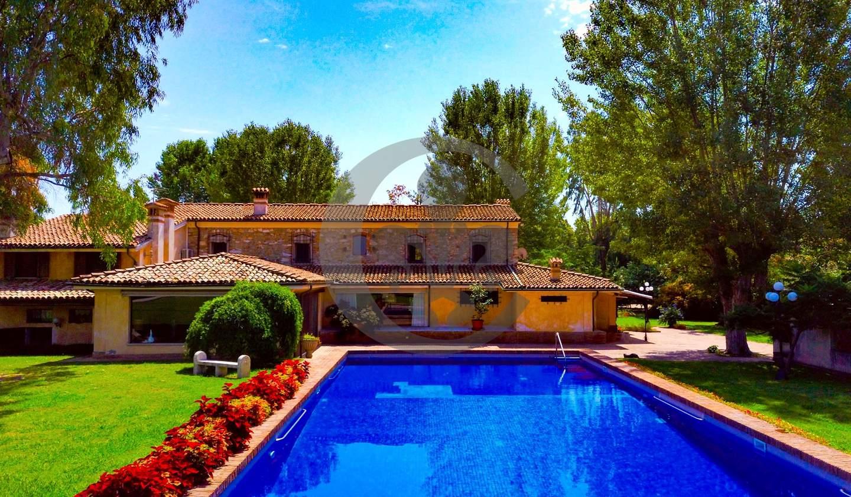 Corps de ferme avec jardin et piscine Marina di Pietrasanta